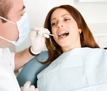 woman at the dentist's